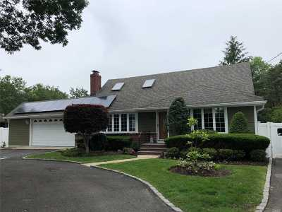 Bohemia Single Family Home For Sale: 204 Oakdale Bohemia Rd