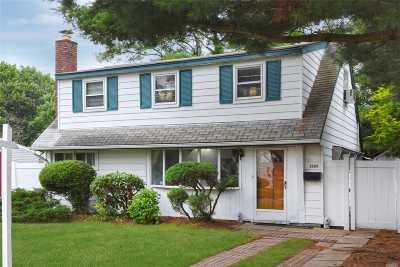 East Meadow Single Family Home For Sale: 2288 7th St