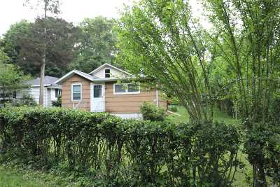 Single Family Home Sold: 104 Cherry Rd