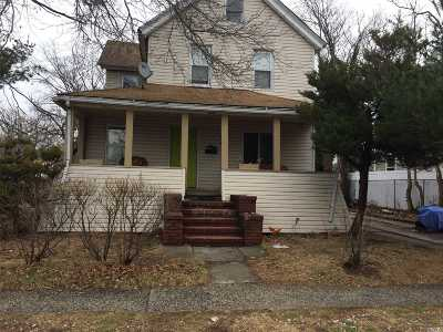 Freeport Single Family Home For Sale: 170 Jay St