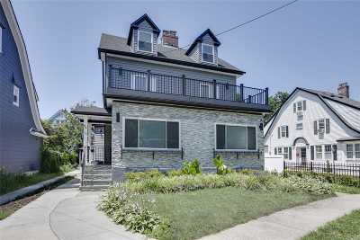 Kew Gardens Single Family Home For Sale: 84-16 121 Street