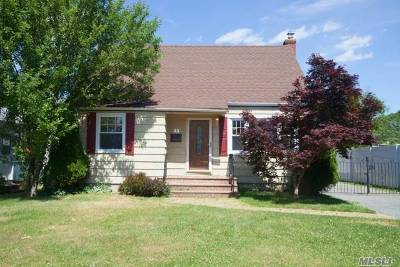 East Norwich Single Family Home For Sale: 43 Clifford Pl
