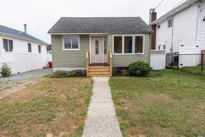 Lindenhurst Single Family Home For Sale: 61 E Hollywood Ave