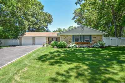 Stony Brook Single Family Home For Sale: 19 Skylark Ln