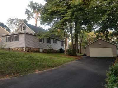 Sound Beach Single Family Home For Sale: 52 Sunrise Dr