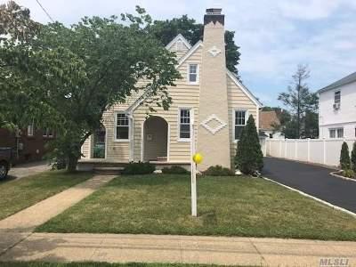 Baldwin Single Family Home For Sale: 827 Edward St