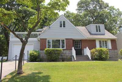 Huntington Single Family Home For Sale: 26 Shelley Pl