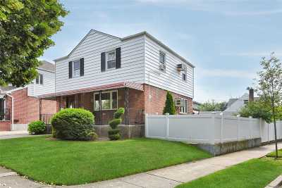 Fresh Meadows Single Family Home For Sale: 75-04 171 St