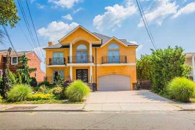 Bellmore Single Family Home For Sale: 21-32 Legion St