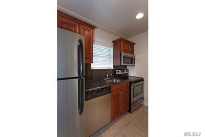 Lake Grove Rental For Rent: 184 Hallock Rd #6C1