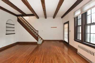 Forest Hills Single Family Home For Sale: 9311 68 Ave