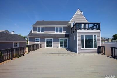 Freeport Single Family Home For Sale: 662 Guy Lombardo Ave