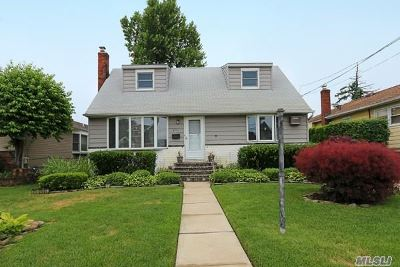 Bellmore Single Family Home For Sale: 2791 Claxton Ave