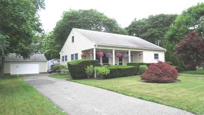 Hampton Bays Single Family Home For Sale: 44 Ponquogue Ave