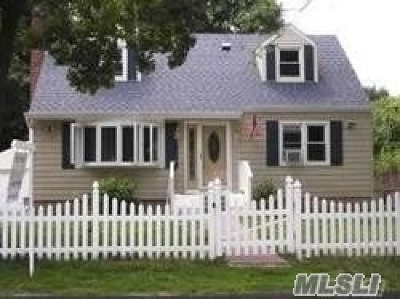 Huntington Single Family Home For Sale: 49 W 13th St