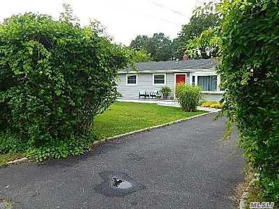 Hampton Bays Single Family Home For Sale: 58 Romana Dr