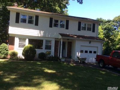 Huntington Single Family Home For Sale: 7 Brompton Pl