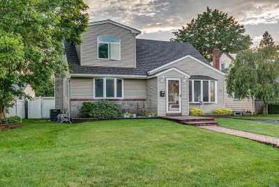 East Meadow Single Family Home For Sale: 342 Hilda St