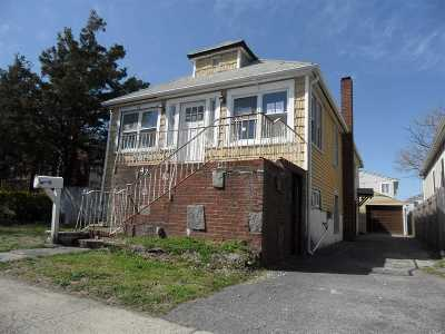 Island Park Single Family Home For Sale: 42 Hastings Rd