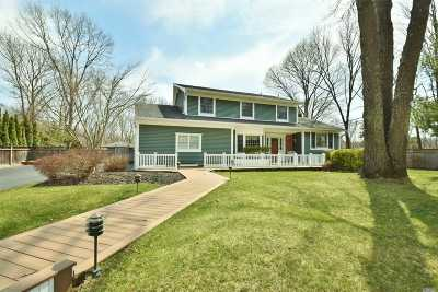 Smithtown Single Family Home For Sale: 4 Sandy Dr