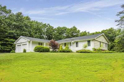 Dix Hills Single Family Home For Sale: 11 Brycewood Dr