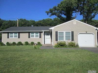 S. Setauket Single Family Home For Sale: 83 Bellwood Ave