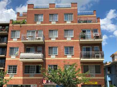 Flushing Condo/Townhouse For Sale: 139-39 35th Ave #3