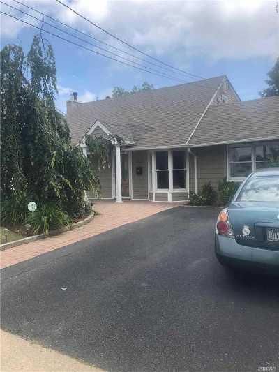Westbury Single Family Home For Sale: 2332 Adolfo Pl