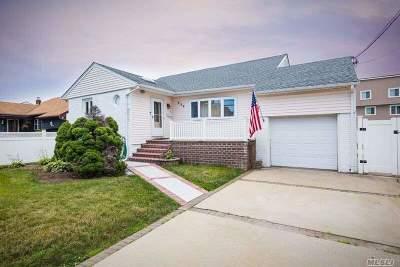 Freeport Single Family Home For Sale: 536 Miller Ave