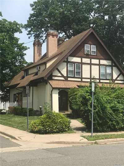 Woodmere Single Family Home For Sale: 128 Park St