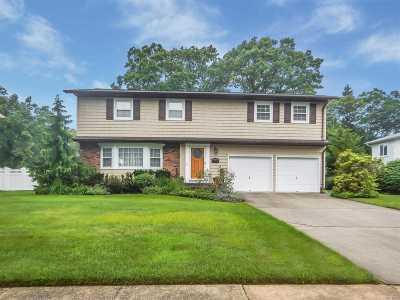 East Islip Single Family Home For Sale: 108 Yuma Ln