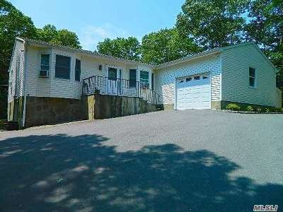 Hampton Bays Single Family Home For Sale: 9 Hastings Ln