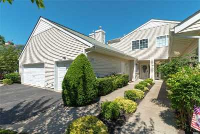 Manorville Condo/Townhouse For Sale: 276 Ranch Cir