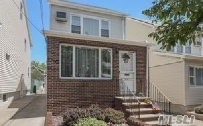 Maspeth Single Family Home For Sale: 54-39 64th St