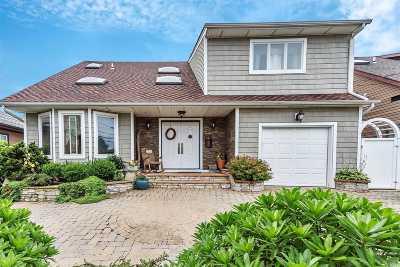 Freeport Single Family Home For Sale: 700 Miller Ave