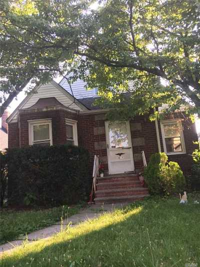 Fresh Meadows Single Family Home For Sale: 58-36 189th St