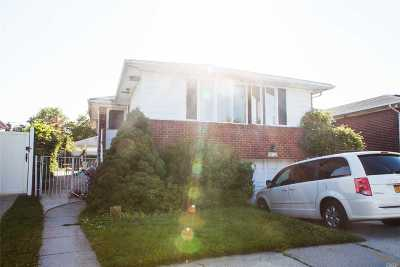 Bayside Single Family Home For Sale: 30-02 208th St