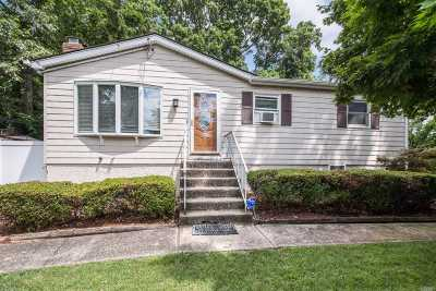 Rocky Point Single Family Home For Sale: 289 Locust Dr