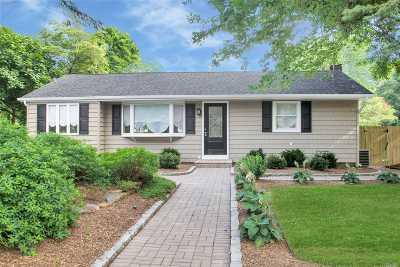 Bohemia Single Family Home For Sale: 17 Bourne Blvd