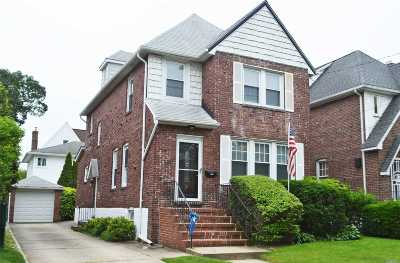 Lynbrook Single Family Home For Sale: 111 Bixley Heath