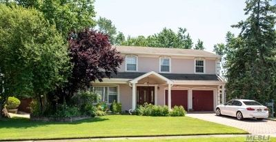 Roslyn Single Family Home For Sale: 27 Carriage Rd