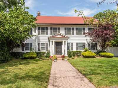 Cedarhurst Single Family Home For Sale: 226 Oakwood Ave