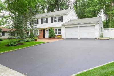 Stony Brook Single Family Home For Sale: 50 Bonnie Ln