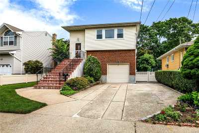 Bellmore Single Family Home For Sale: 2081 Briggs St