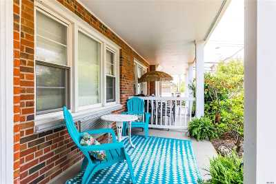 Long Beach NY Condo/Townhouse For Sale: $249,000
