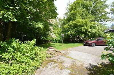 Little Neck Single Family Home For Sale: 53-68 Thornhill Ave