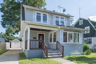 Freeport Single Family Home For Sale: 144 Harris Ave