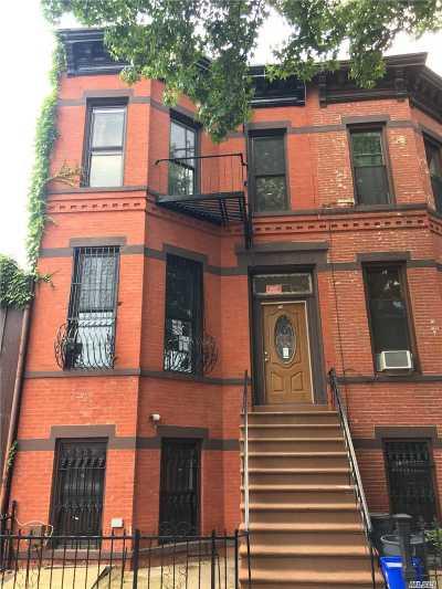 Brooklyn Multi Family Home For Sale: 318 Van Buren St