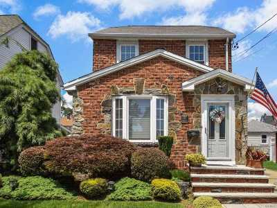 Williston Park Single Family Home For Sale: 85 Princeton St