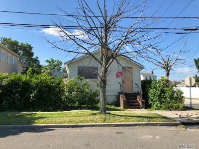 Inwood Single Family Home For Sale: 99 Bayswater Blvd